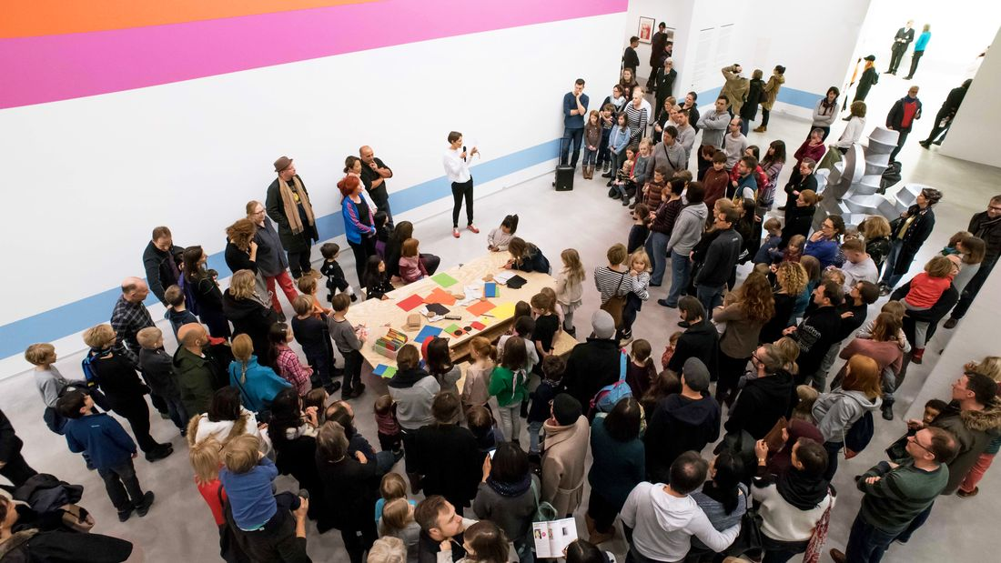 "Kindervernissage zur Ausstellung ""Eduardo Paolozzi. Lots of Pictures, Lots of Fun"" in der Berlinischen Galerie, 11.2.2018, Foto: Barbara Antal"