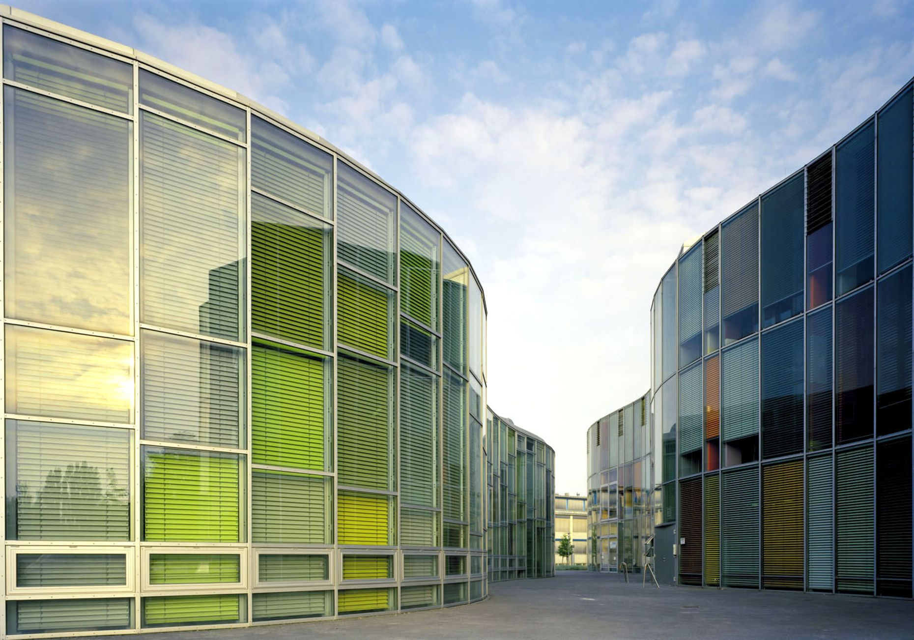 Sauerbruch Hutton Architekten, Photonikzentrum Berlin Adlershof, 2001